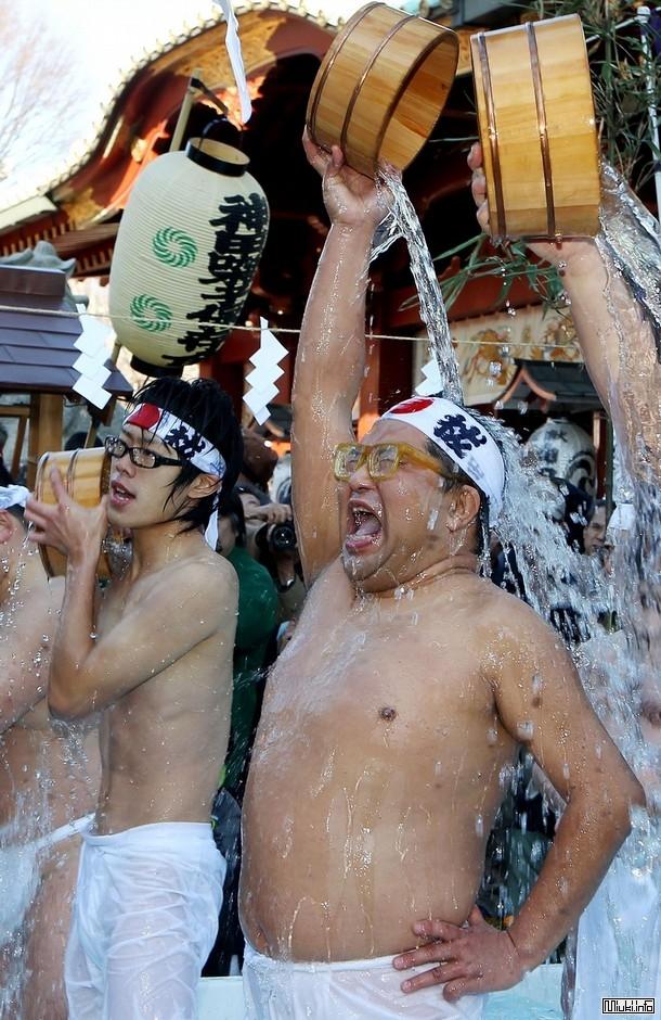 Ритуал очищения души и тела в Токио