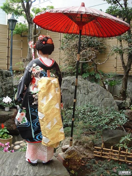 О национальном костюме или как нарядиться японцами