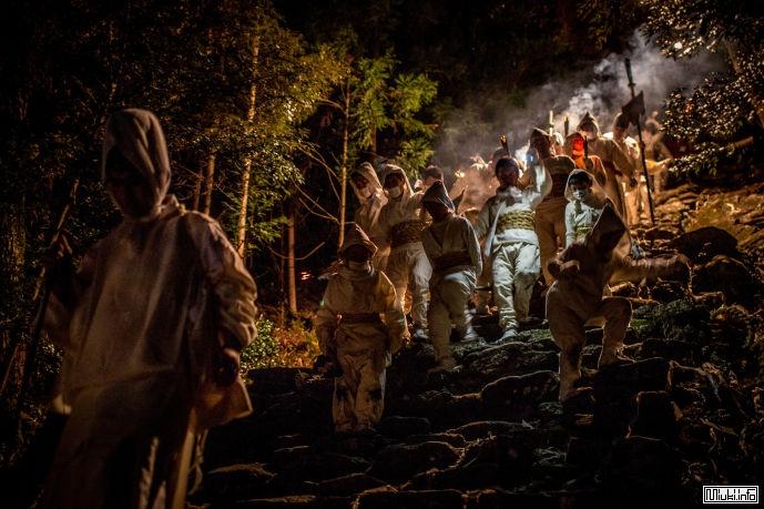 Традиционный фестиваль огня в Японии