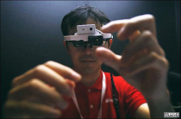 Очки для видеочатов от японских изобретателей из NTT DoCoMo