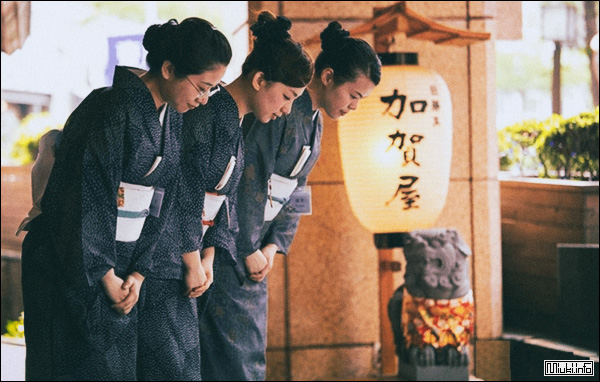 Манера поведения японцев. Очерк японки Саикавы Марико