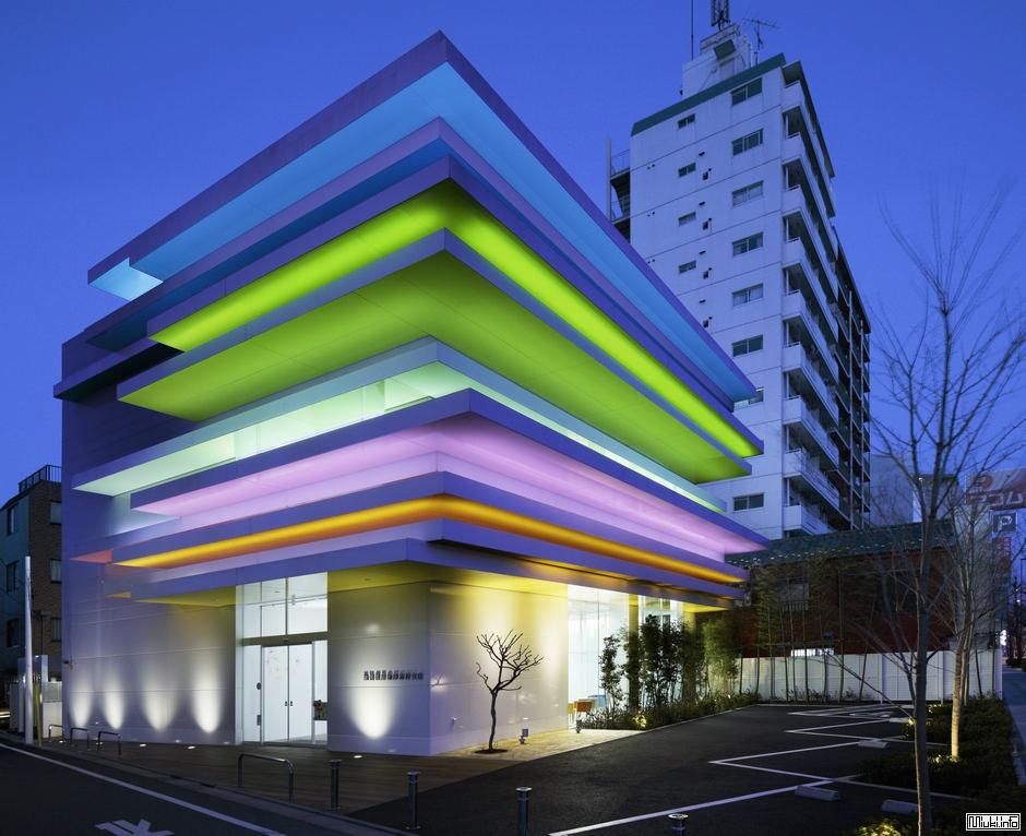 Филиал токийского банка Sugamo Shinkin Bank (фото)